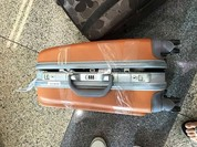 Hành khách Vietjet bị phá khóa, lấy đồ ở sân bay Nội Bài