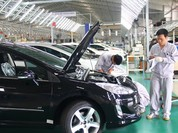 Giá ô tô ở Việt Nam chưa kịp giảm đã có nguy cơ tăng