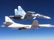 Video: Máy bay chiến lược Nga rải thảm dìm phiến quân trong biển lửa