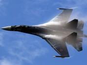 """Siêu tiêm kích Su-35 """"quyết đấu"""" với Eurofighter Typhoon: Ai thắng?"""