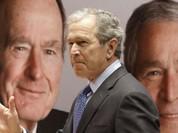 """Tỷ phú Trump bị hai cha con cựu tổng thống Bush """"xối nước lạnh"""""""