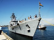 Chiến hạm Ấn Độ lần đầu vào vịnh Cam Ranh