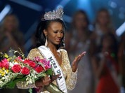 Nữ quân nhân da màu 26 tuổi lên ngôi hoa hậu Mỹ