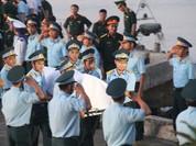 Đất mẹ đã đón nhận thi thể phi công Su-30MK2 Trần Quang Khải
