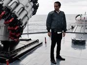 """Tổng thống Indonesia họp ngay trên chiến hạm, quyết """"chơi rắn"""" với Trung Quốc"""