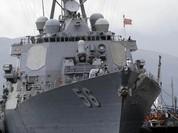 Cam Ranh lần đầu đón hai chiến hạm Mỹ