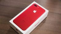 Chùm ảnh: Mở hộp và so sánh màu đỏ iPhone 7