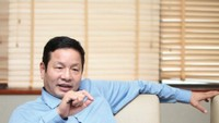 """Chủ tịch FPT Trương Gia Bình hát """"Anh còn nợ em"""" gây sốt mạng xã hội"""