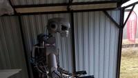Robot Nga có thể bắn hai tay hai súng, lái xe, dập lửa... (video)