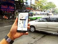 Nhờ công nghệ, Uber, Grab buộc taxi, xe ôm truyền thống phải thay đổi