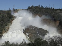 Vỡ đập nước ở Oroville: Mỹ tuyên bố di tản dân khẩn cấp