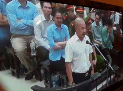 """Phiên xét xử đẫm lệ trong """"đại án"""" OceanBank - Hà Văn Thắm"""
