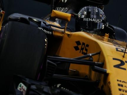 Cận cảnh những cỗ máy bốn bánh nhanh nhất hành tinh tại Singapore Grand Prix
