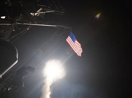 Nga cứu Syria khỏi đòn tấn công tên lửa ồ ạt của Mỹ