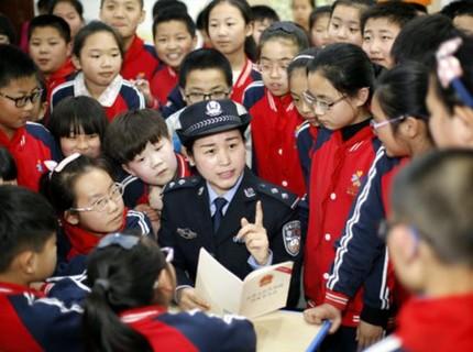 Tình báo Mỹ chủ động tiết lộ gián điệp để phá hoại quan hệ Trung - Mỹ?
