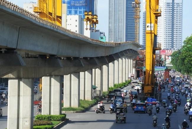 Tuyến đường sắt trên cao Cát Linh - Hà Đông đang trong quá trình thi công.