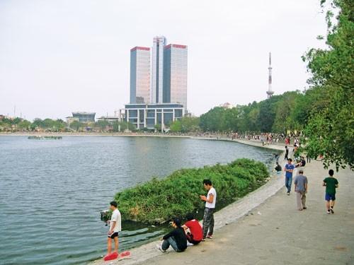 Công ty cổ phần Đầu tư và Phát triển Đô thị Việt Hưng đề xuất lấp hồ Thành công.