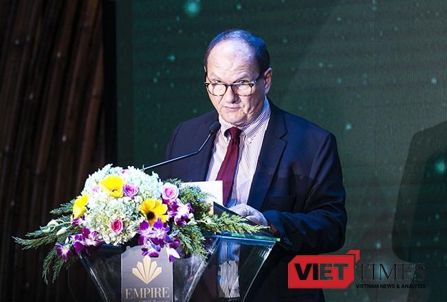 Ông Kevin Wallce, Giám đốc điều hành Tập đoàn, khu vực Thái Bình Dương của Dream Hotel Group kỳ vọng Việt Nam sẽ vượt qua Thái Lan về lượng khách du lịch quốc tế trong vòng 10 năm tới.