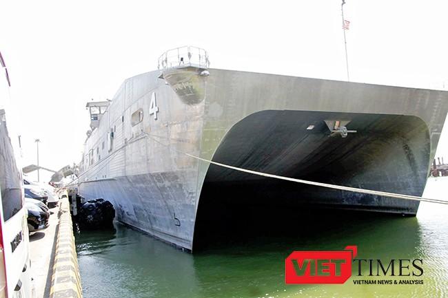 Tàu hải quân Hoa Kỳ USNS Fall River (T-EPF-4) tại Cảng Tiên Sa (Đà Nẵng), sẵn sàng cho các hoạt động trong khuôn khổ PP17