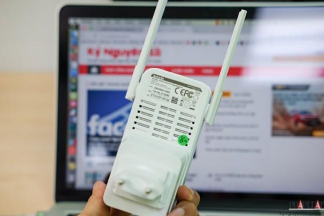 Nếu ngôi nhà có nhiều tầng và sóng WiFi bị hạn chế tại một số khu vực, người dùng có thể tận dụng những thiết bị giá rẻ để tăng sóng WiFi.