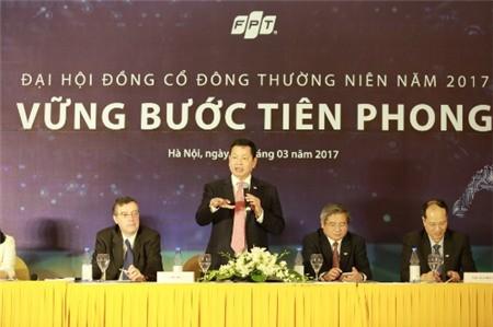 Theo ông Trương Gia Bình, sự kết hợp giữanhóm lãnh đạo cấp cao cùng lớp lãnh đạo kế cận với tuổi đời trẻ hơn đang trở thành động lực tăng trưởng cho FPT.