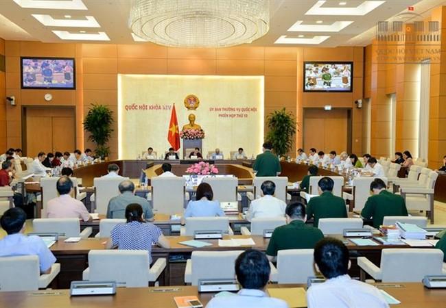 Khai mạc Phiên họp thứ 13 của Ủy ban thường vụ Quốc hội khóa XIV