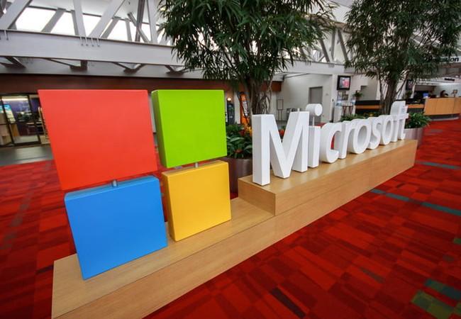 Có thông tin cho biết Microsoft đang thử nghiệm một thiết bị bí mật chạy một phiên bản Windows Mobile mới