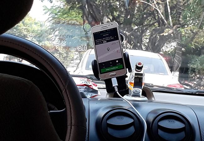 """Bộ GTVT """"phanh gấp"""" cấp phép thí điểm Grab, Uber"""