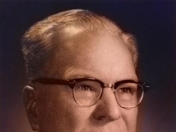 Chester Carlson (Nguồn ảnh : Paperhall.org)