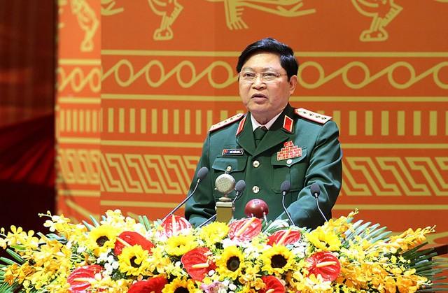 Bộ trưởng Quốc phòng Ngô Xuân Lịch.