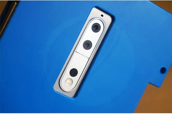 Nokia 9 được giấu trong chiếc hộp màu xanh