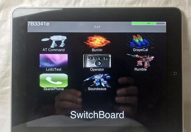 Mẫu thử iPad 1 sử dụng phần mềm SwitchBoard thay vì hệ điều hành iOS