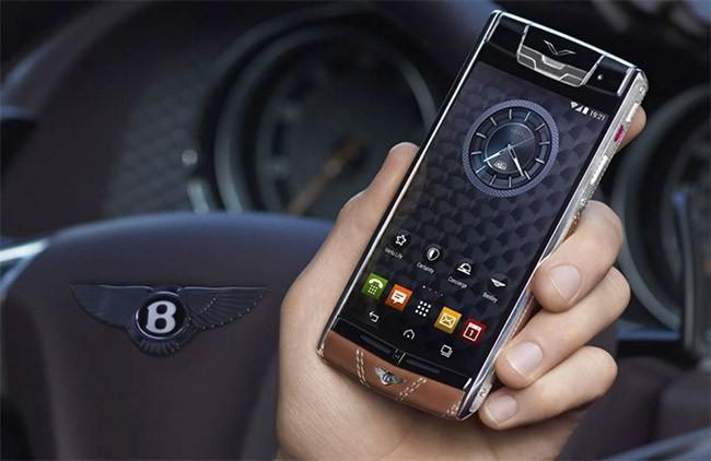 Điện thoại Vertu có giá lên tới trăm triệu đồng