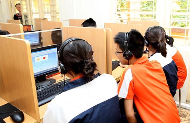 Trẻ em cần được bảo vệ để tránh các hiểm họa trên Internet (ảnh MSD)