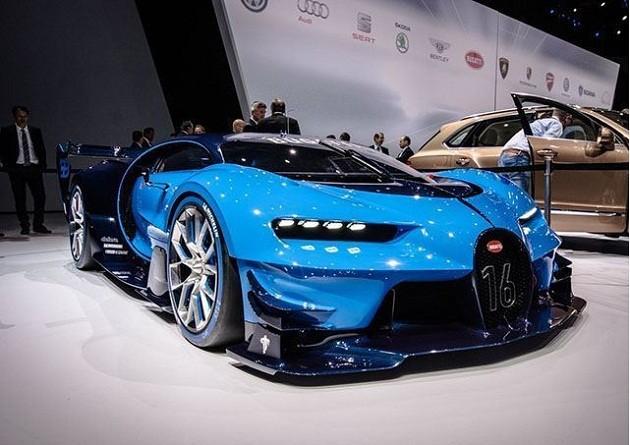 Siêu xe Bugatti có khả năng tự biến đổi thành nhiều màu khác nhau.