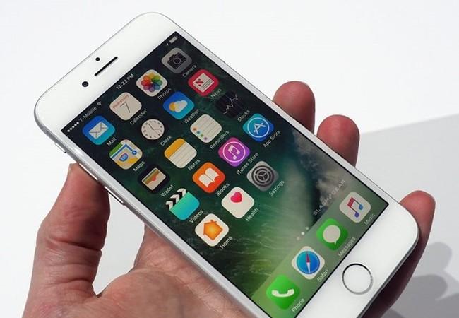 Apple ra mắt iPhone 7 và 7 Plus với nhiều tính năng mới.
