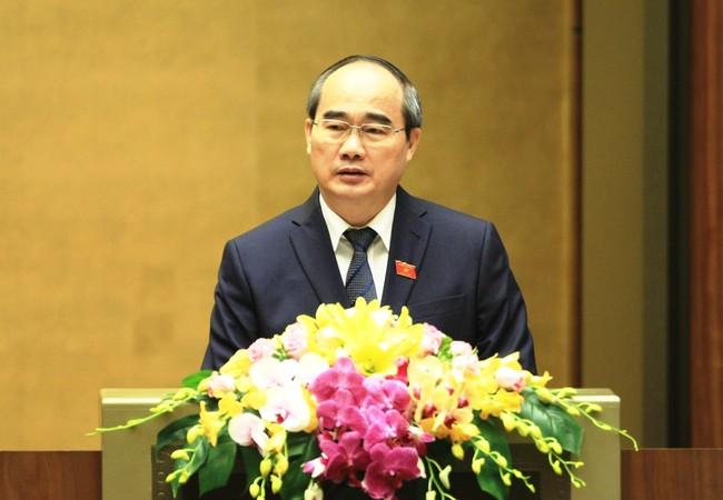 Ủy viên Bộ Chính trị, Chủ tịch Ủy ban Trung ương MTTQ Việt Nam Nguyễn Thiện Nhân  trình bày Báo cáo tổng hợp ý kiến, kiến nghị của cử tri và nhân dân cả nước- (Ảnh: VGP/Nhật Bắc).