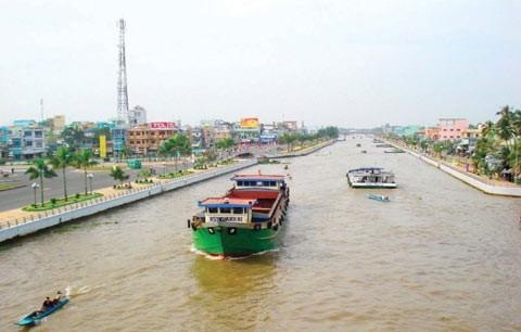 Cục Đường thủy nội địa đề xuất lập sàn giao dịch điện tử vận tải thủy.