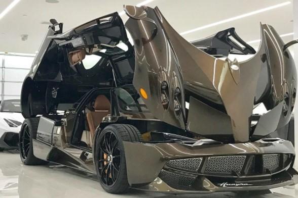 Manny Khoshbin đang sở hữu hàng chục chiếc siêu xe đắt nhất thế giới. Ảnh: Instagram.