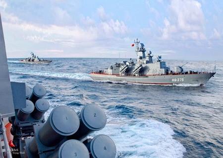 """Video: Xem """"tia chớp"""" Molniya của Hải quân Nhân dân Việt Nam khai hỏa"""