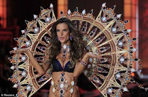 Video: Bí quyết giữ dáng của các thiên thần Victoria's Secret