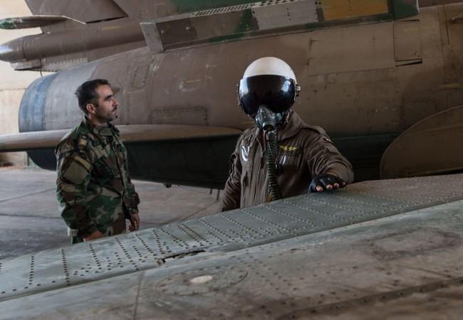 Video: Phi công Su-22 bị bắn rơi ở Syria đang phải làm tù binh