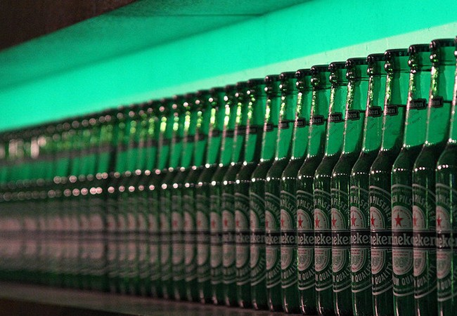 Cổ phiếu Heineken tăng kỷ lục nhờ doanh số bán hàng tại Việt Nam