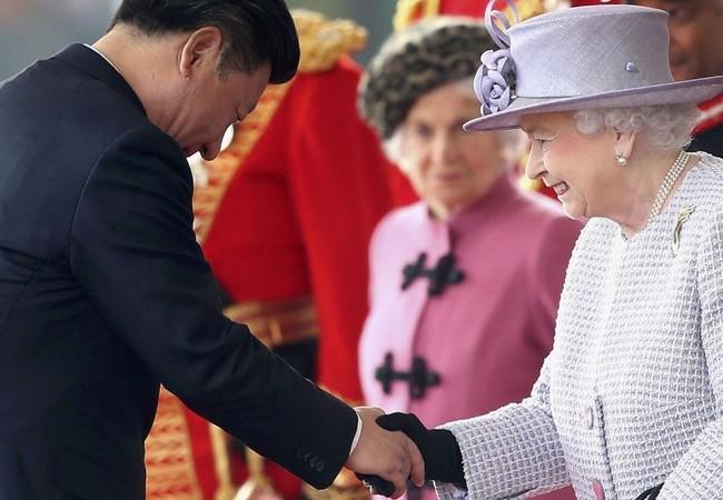 Video: Nữ hoàng Anh chê quan chức Trung Quốc lỗ mãng