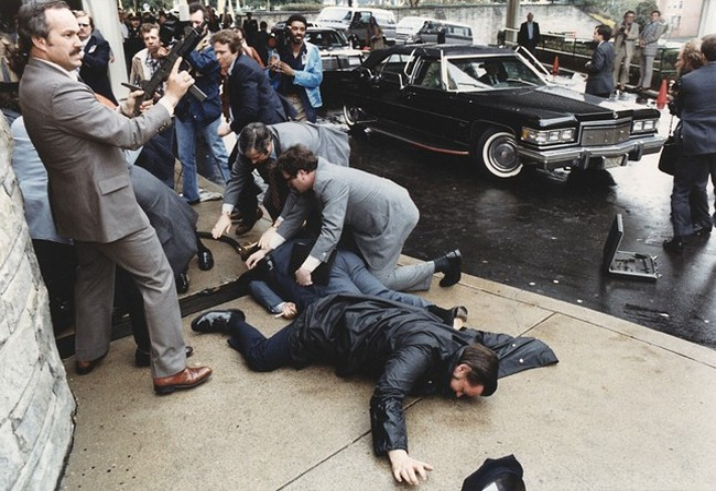Hiện trường vụ ám sát Tổng thống Ronald Reagan. Ảnh: Reuters