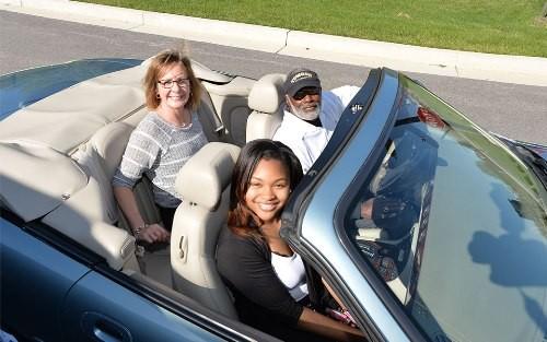 Mục đích chính của ứng dụng là thúc đẩy hợp tác và chia sẻ giữa người tham gia giao thông.