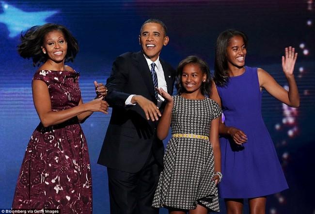 Ông Obama quyết định ở lại Washington D.C. để con gái út có thể hoàn thành nốt chương trình học trung học.