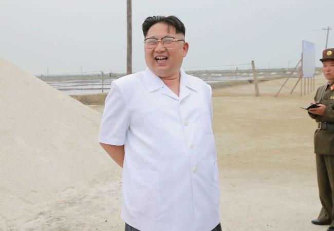 Video: Kim Jong-un có khai man hồ sơ?