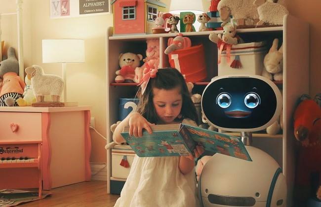 """Video: """"Tất tật"""" về robot gia đình Asus Zenbo"""