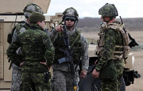 Video: Nín thở xem đặc nhiệm Canada hành động